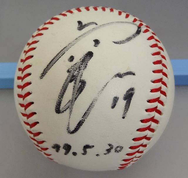 上原浩治 直筆サイン入ボール 99年5月30日 巨人 レッドソックス