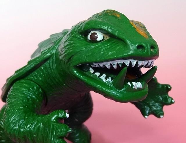 東京都小金井市にて、ガメラ(日東・オリジナル)の怪獣ソフビをお譲り頂きました。