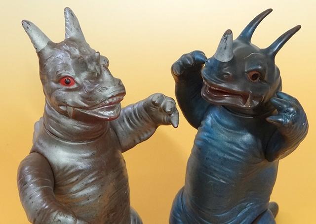 東京都小金井市にて、地底怪獣パゴスと透明怪獣ネロンガの怪獣ソフビをお譲り頂きました。