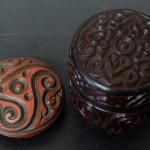 如意紋や屈輪具利紋の古い蓋物の堆朱/堆黒の香合茶入を買取いたしました。[東京都品川区にて]