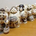 千葉県船橋市にて、象牙の七福神・印泥・万年筆などをお譲りいただきました