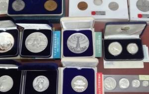 b silver coin medal