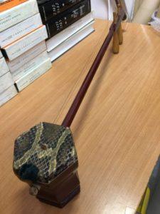 神奈川県横浜市のお客さまより、中国の伝統楽器『二胡』をお譲りいただきました!